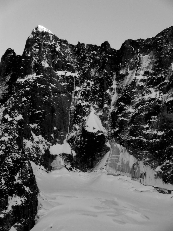 Petite Viking: die dünne Spur etwas rechts der Gipfelfallinie