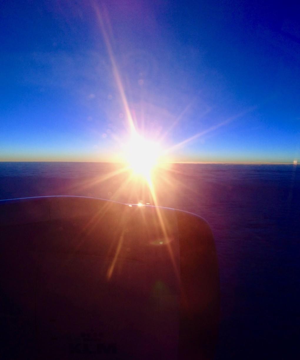 etwa 8 Stunden andauernde Sonnenuntergangsstimmung